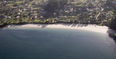 Playa Arneles en Cangas