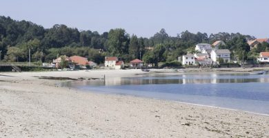 Playa Barquiña en Noia