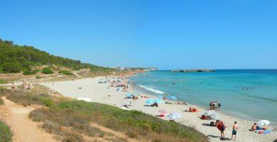 Playa Binigaus en Es Migjorn Gran