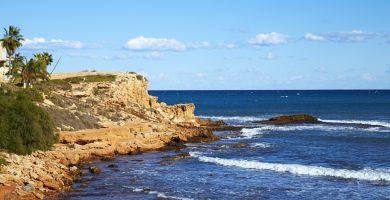 Playa Cala de la Higuera en Torrevieja