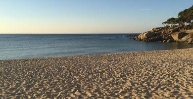 Playa Cala de la Roca del Paller en Calonge