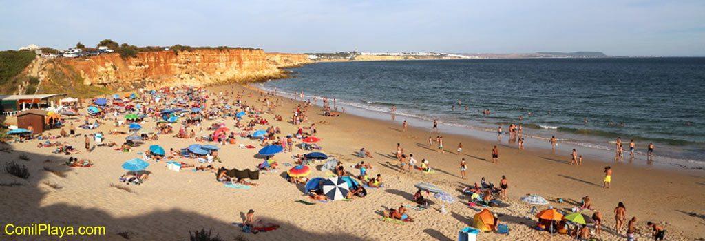 Playa Cala del Aceite en Conil de la Frontera