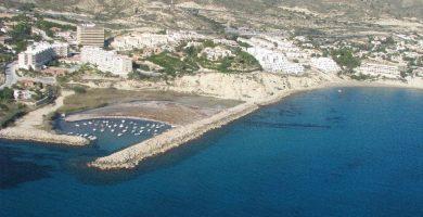 Playa Cala del Barranco de Aguas en El Campello