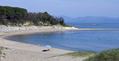 Playa Cala Montgó en L'Escala