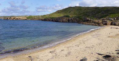 Playa Cala Tamarells en Maó