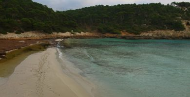 Playa Cala Trebaluger en Es Migjorn Gran