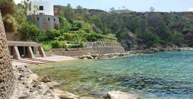 Playa Caló d'Es Porcs en Sant Joan de Labritja