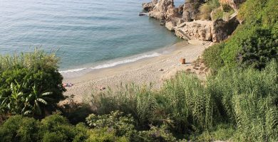 Playa Carabeillo Chico en Nerja