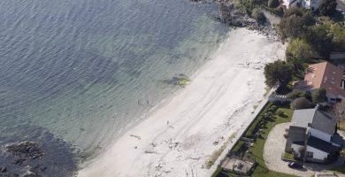 Playa Chancelas pequena en Poio