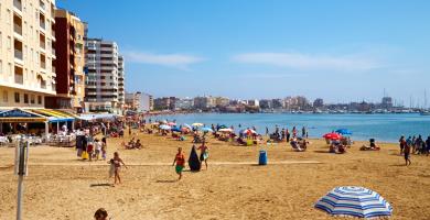 Playa El Acequión en Torrevieja