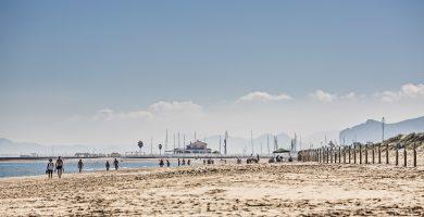 Playa El Islote en La Oliva