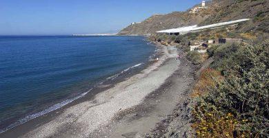 Playa El Lance de la Virgen en Adra