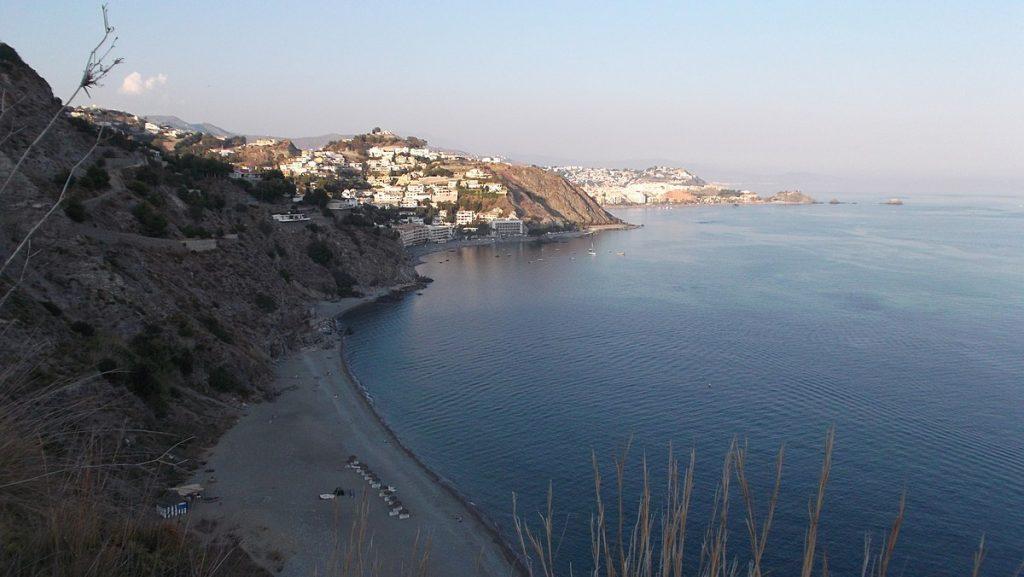 Playa El Muerto en Almuñécar