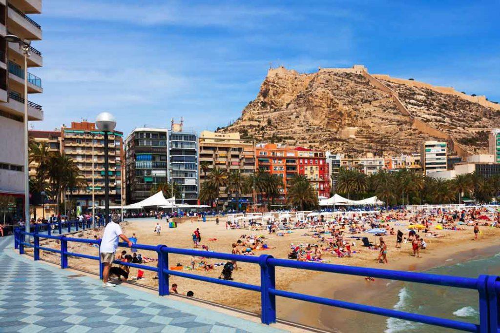 Playa El Postiguet en Alacant