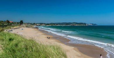 Playa El Viso en Caravia