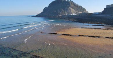 Playa Gaztetape en Getaria