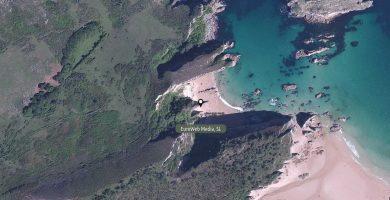 Playa La Acacia en Llanes