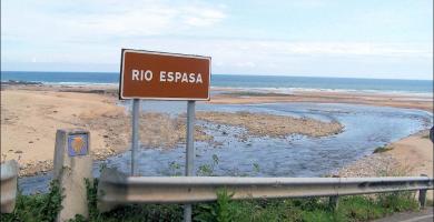 Playa La Espasa en Colunga