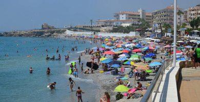 Playa La Torrecilla en Nerja