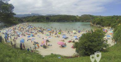 Playa Las Cámaras en Llanes