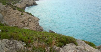 Playa Les Coves en Sitges