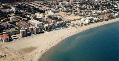 Playa Les Guineus en Roda de Barà