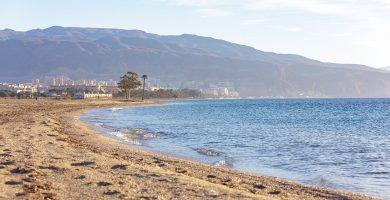 Playa Los Bajos en Roquetas de Mar