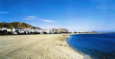 Playa Los Barquicos en Carboneras