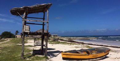 Playa Los Caletones en Haría