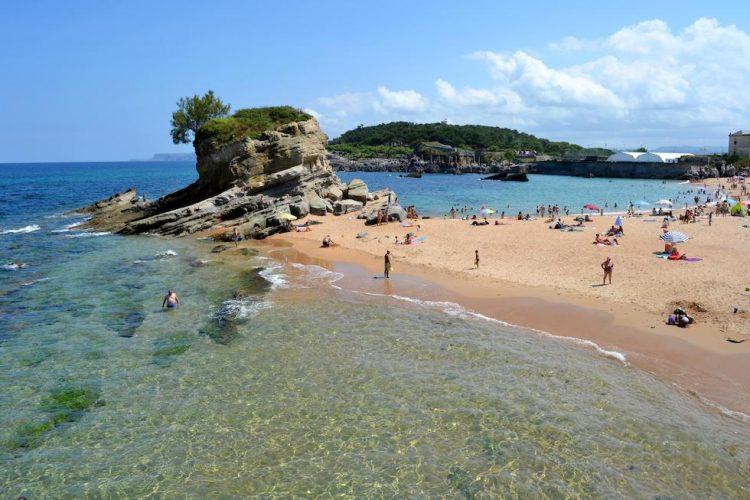 Playa Mataleñas en Santander
