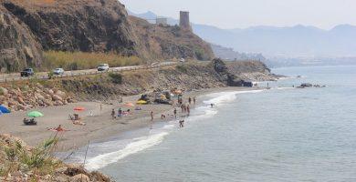 Playa Mazagarrobo en Torrox
