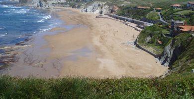 Playa Meñakoz en Sopela