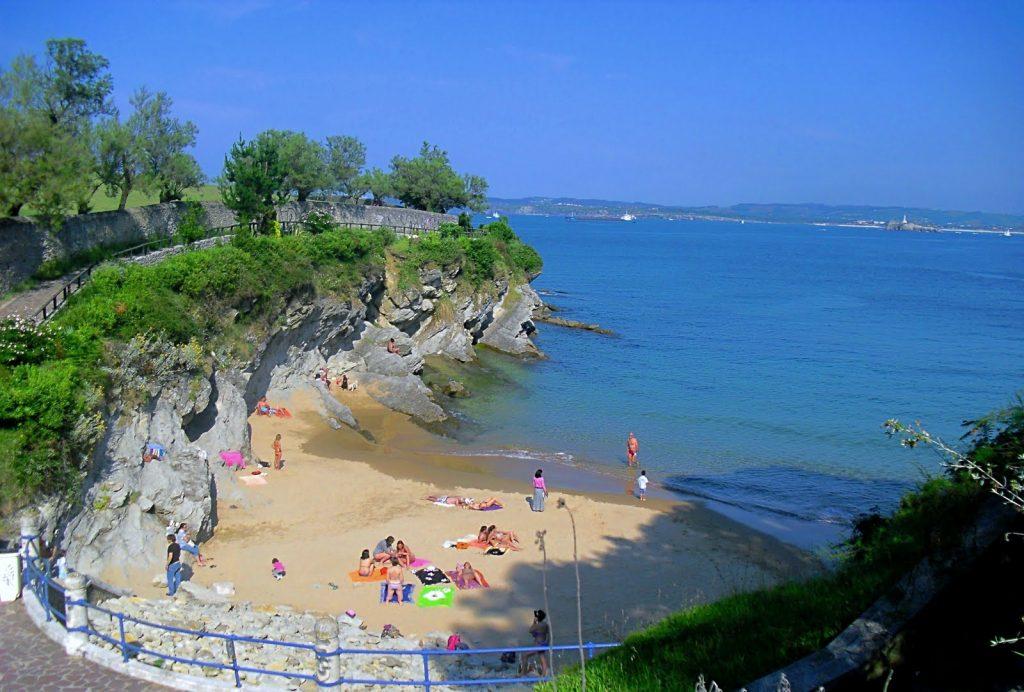 Playa Molinucos en Santander