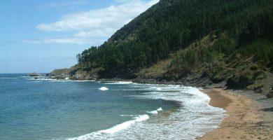Playa Ogella en Ispaster