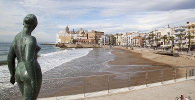Playa Platja de la Desenrocada en Sitges