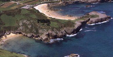 Playa Portiellu de Cué en Llanes