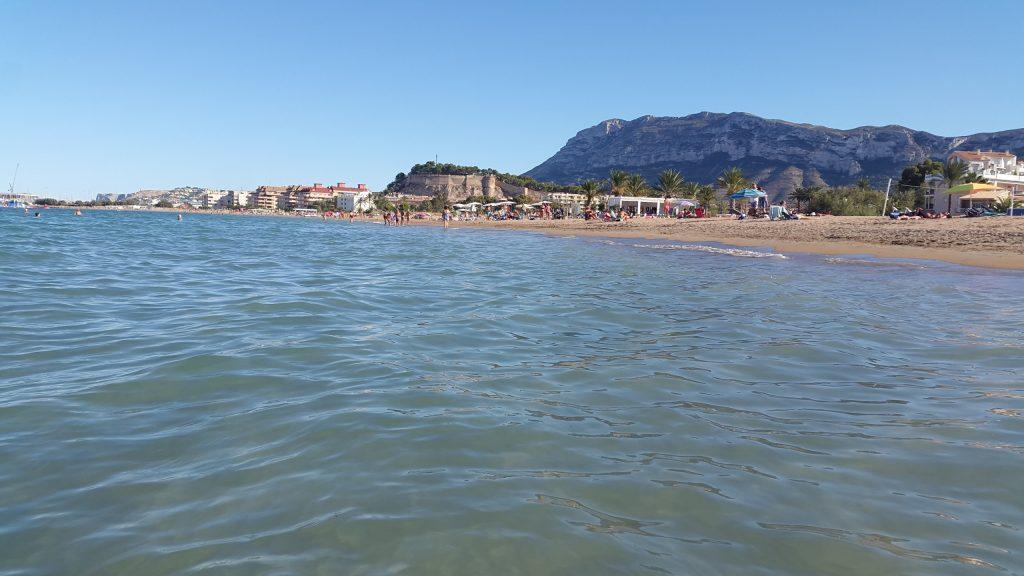 Playa Racó de la Alberca en Dénia