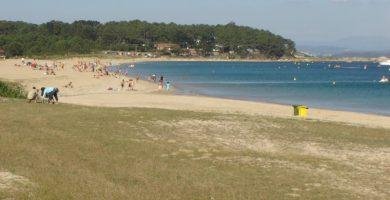 Playa Ribeiriña en Ribeira