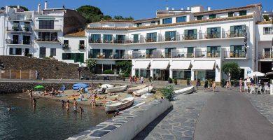 Playa Ses Oliveres en Cadaqués