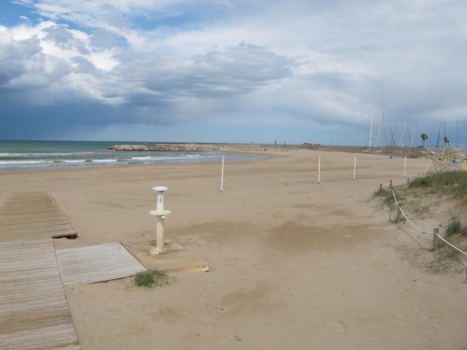 Playa Terranova en Oliva