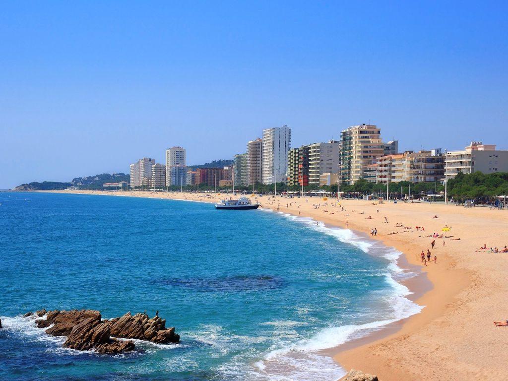 playas en castell platja daro